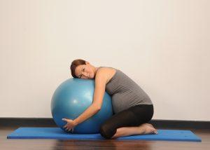Se-puede-practicar-Yoga-y-Pilates-en-el-embarazo