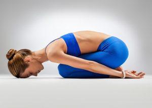 yoga para artrosis de cadera