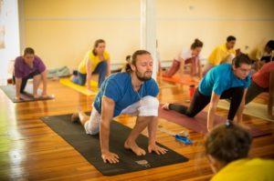 Beneficios del Sivananda Yoga